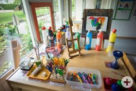 Kinderhaus 4-6 Regenbogen Bastelecke